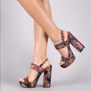 NWOT Qupid Floral Brocade Chunky Platform Heel